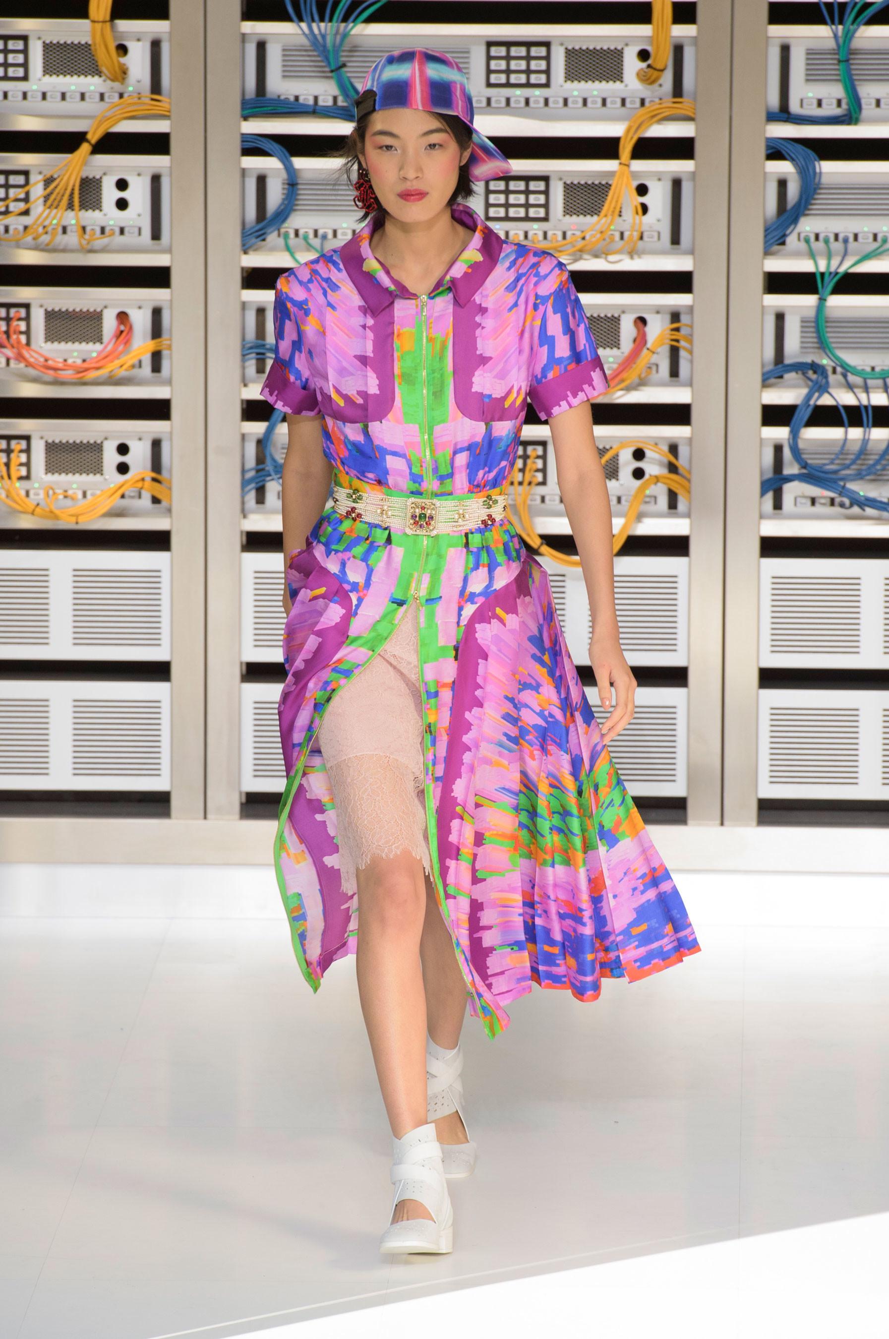 Foto de El regreso al futuro de Chanel en su colección Primavera-Verano 2017 (37/96)