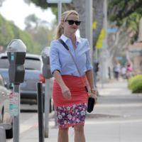 La invasión de las flores en los street-style de Reese Witherspoon