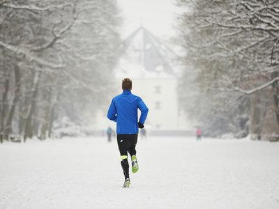 ¿Te encierras a entrenar en el gimnasio? Te contamos por qué deberías continuar ejercitando al aire libre