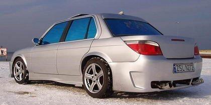 ¿Por qué tener un BMW pudiendo tener tres?