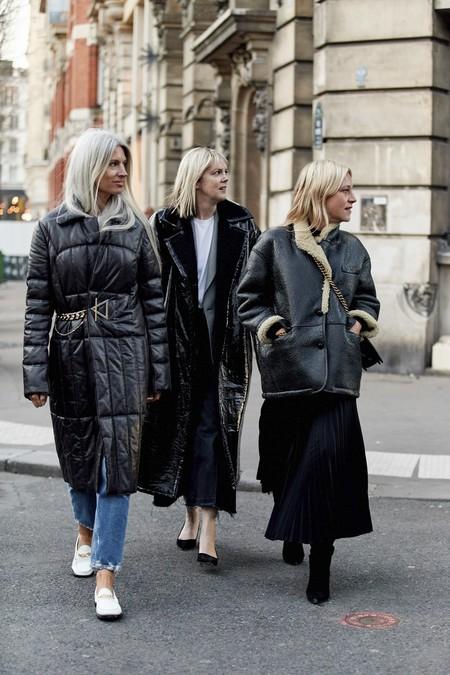 Ocho nuevas combinaciones del streetstyle para renovar tus looks total black