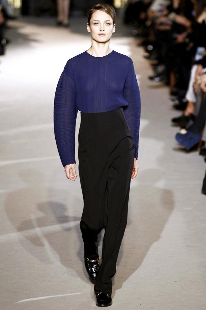 Foto de Stella McCartney Otoño-Invierno 2011/2012 en la Semana de la Moda de París:  (5/25)