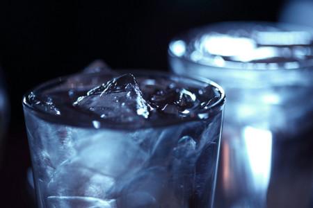 Sugerencias de ingesta de agua para niños y adultos