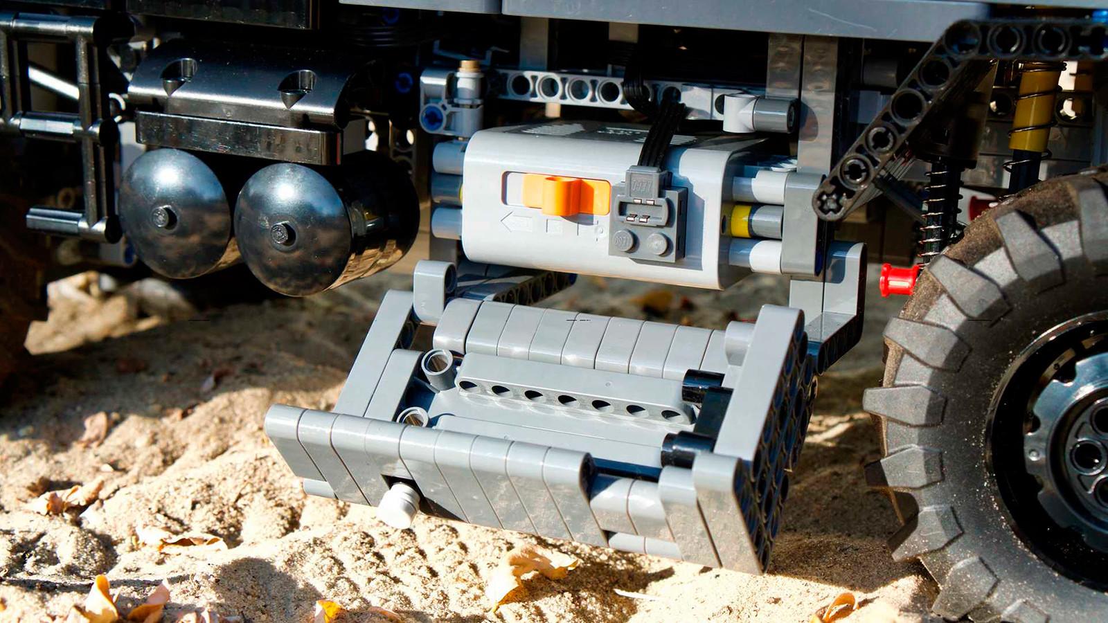 Foto de Mercedes-Benz Zetros 1833 Lego Technic MOC (5/6)