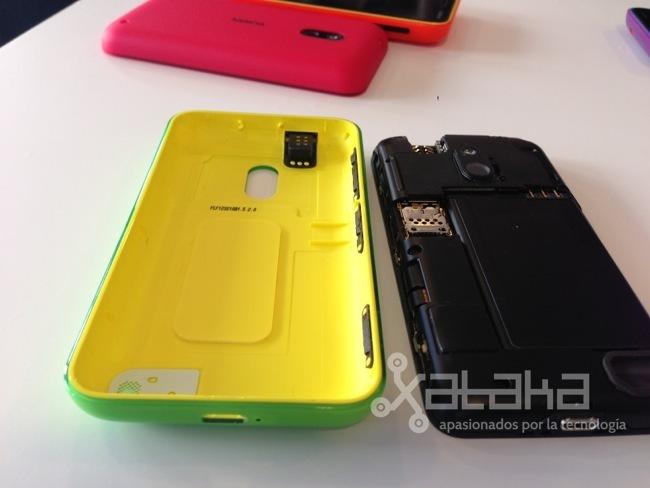 Nokia Lumia 620 carcasa