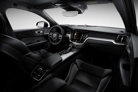 Volvo S60 2019 34