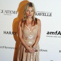 Kate Moss ya se lleva a su hermana Lottie de gala