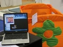 Cuna inteligente controlada por ordenador con tecnología wifi