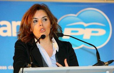 Soraya Sáenz de Santamaria no es el ejemplo a seguir por la mujer española