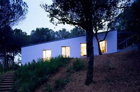H Arquitectes: una casa integrada en el paisaje de la Costa Brava