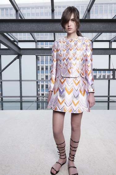 Los vestidos años 60 monopolizan la colección crucero 2016 de Giambattista Valli