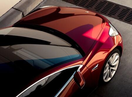 Tesla prepara un eléctrico accesible para competir contra VW ID.3