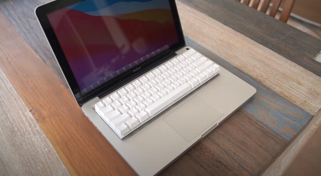 Este aficionado logra el sueño de tener un MacBook con teclado mecánico