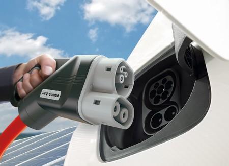 BMW, Volkswagen, Daimler y Ford trabajan ya para estrenar 400 puntos de recarga a 350 kW