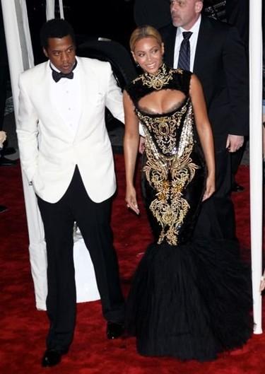 No te pierdas ninguno de los looks más vistosos y glamourosos de la gala MET 2011