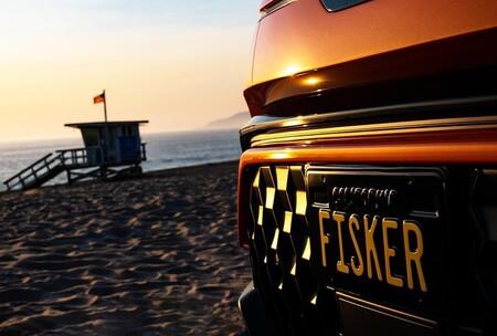 """Fisker y Foxconn se alían para fabricar en masa un coche eléctrico """"revolucionario"""": la producción comenzará en 2023"""