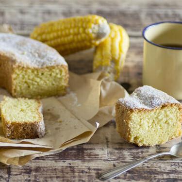 Receta de bizcocho de harina de maíz y limón, un dulce capricho sin gluten