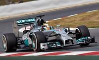 Lewis Hamilton impone su ley y se coloca líder del Mundial