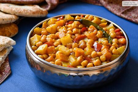 Receta de curry de garbanzos y verduras en olla de cocción lenta, más fácil (y rápida) imposible