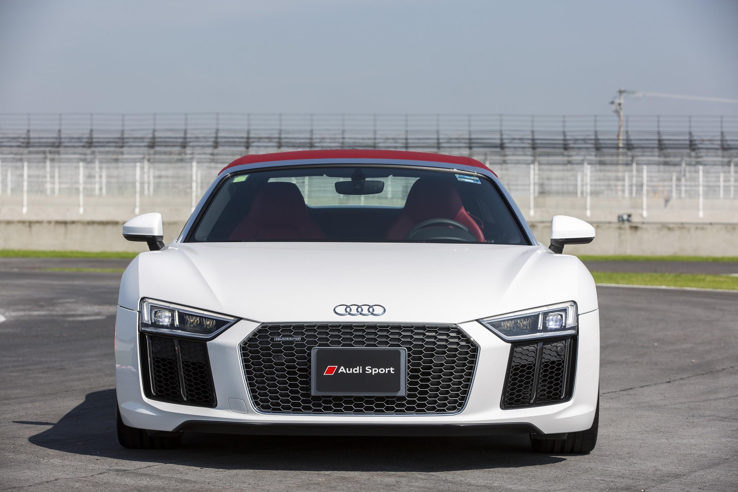Foto de Audi R8 Spyder (21/38)