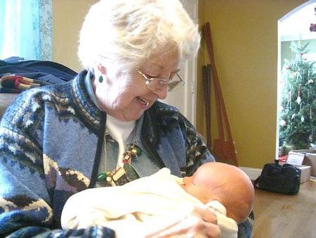 abuela-y-bebe2.jpg