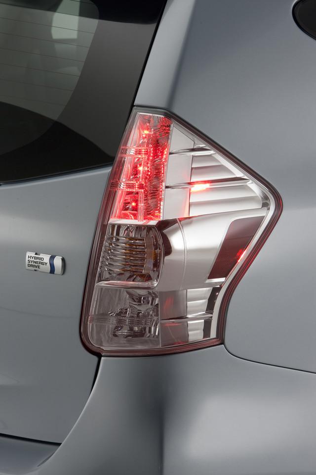 Foto de 2011 Toyota Prius v (43/77)