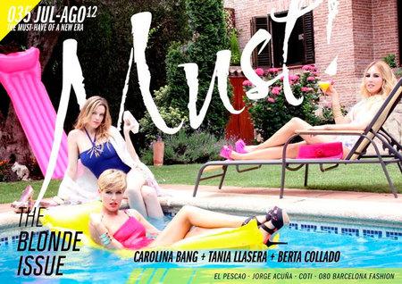 Una de rubias para Must! Magazine, ¡marchando!