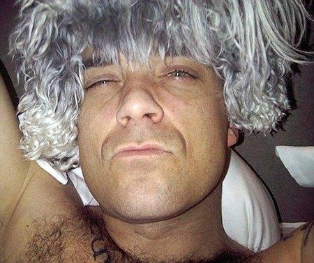 Robbie Williams piensa en un cambio de imagen