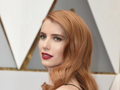 Emma Roberts lleva como nadie este vintage de Armani en los Oscar 2017