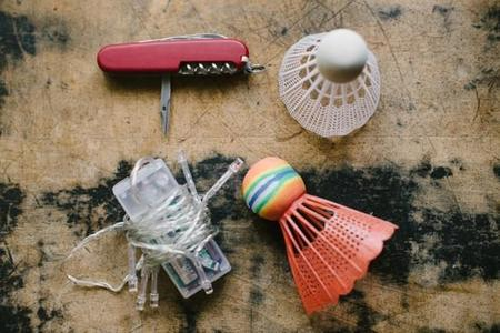 diy-luces-badminton-materiales.jpg