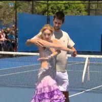 Novak Djokovic bailando sin camiseta en mitad de la pista por si no hacía demasiado calor
