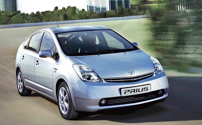 Toyota-Prius-II-front