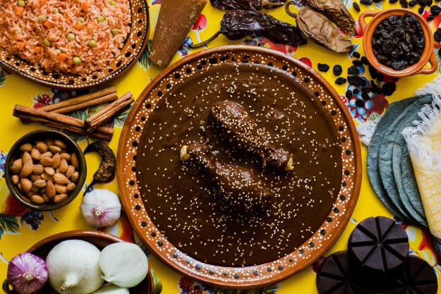 Mole negro de Oaxaca Receta de la cocina tradicional mexicana