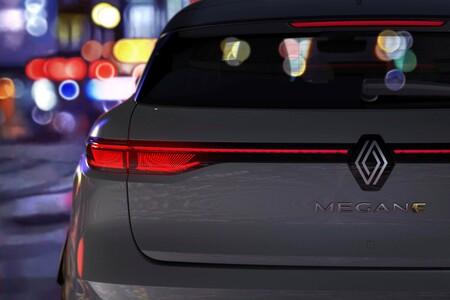 """Renault pretende ser la """"marca de autos más ecológica de Europa"""" y nos muestra el teaser del Megane E-Tech, su primer SUV eléctrico"""