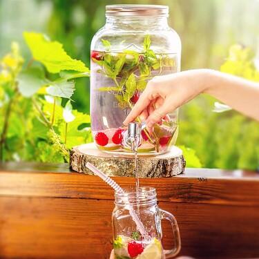 Los mejores juegos de vasos y jarras para tener invitados en la terraza