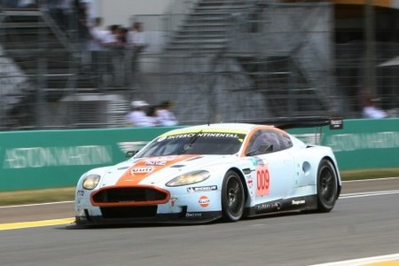 Aston Martin le gana la batalla a Corvette en Le Mans