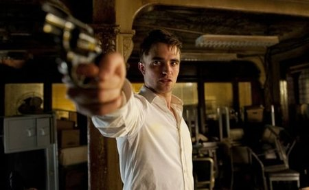 Robert Pattinson busca a Sadam Husein en 'Mission: Blacklist'